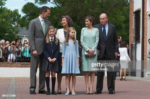 King Felipe VI of Spain Princess Sofia of Spain Queen Sofia Princess Leonor of Spain Queen Letizia of Spain and King Juan Carlos pose for the...