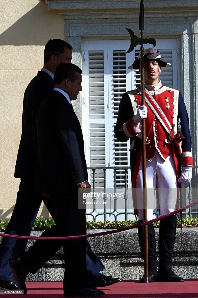 King Felipe VI of Spain (L) receives Peruvian President Ollanta Humala Tasso (2L) at the El Pardo Palace on July 7, 2015 in Madrid, Spain.