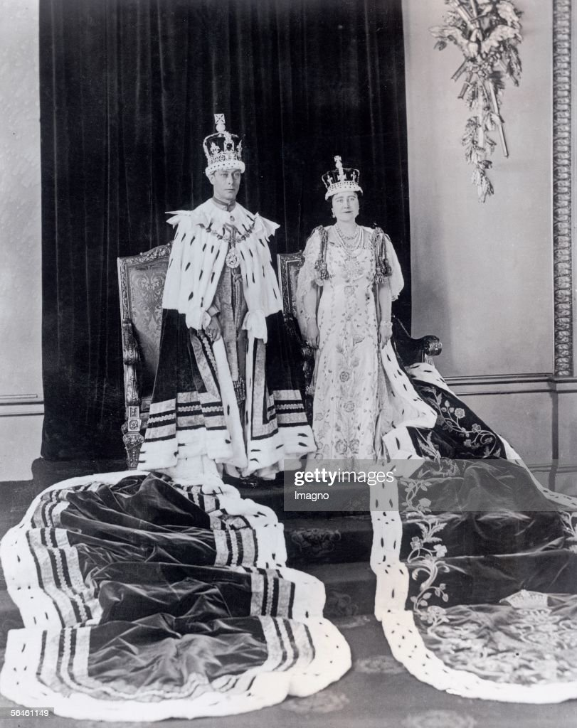 King George VI and Queen Elisabeth of England on the day after the coronation ceremony Photography 1936 [Der englische Koenig George VI und die...