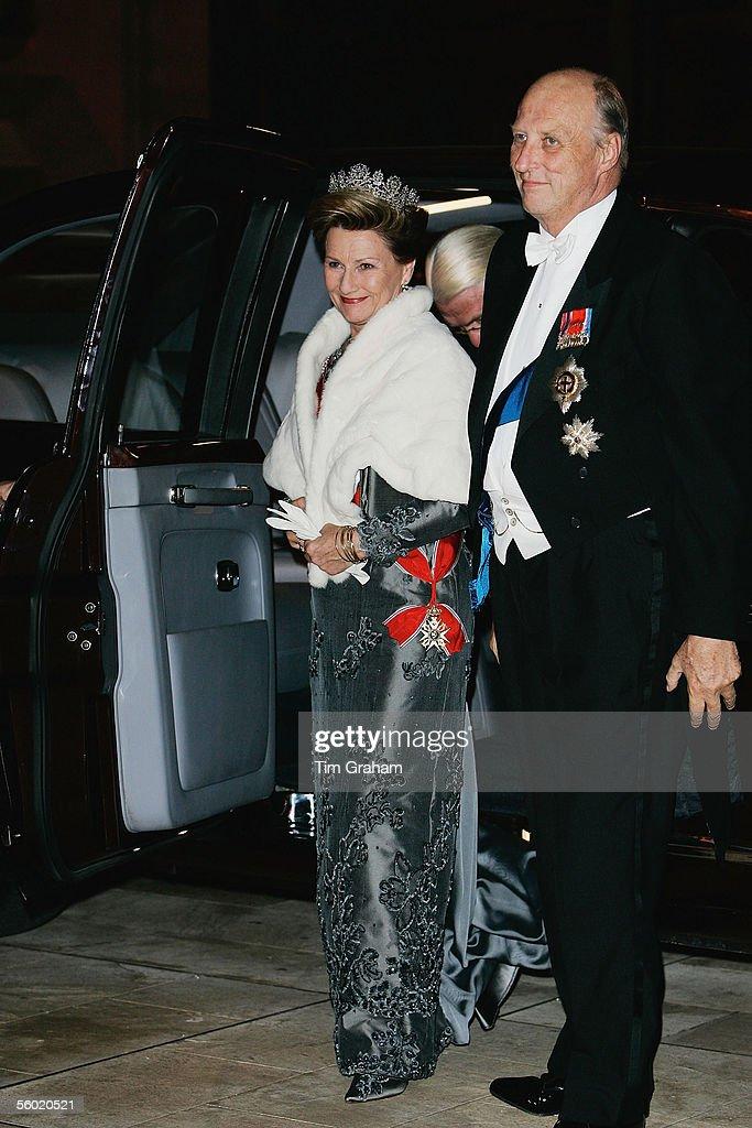 King Harald and Queen Sonja of Norway attend a dinner held at the Guildhall on October 26, 2005 in London, England.