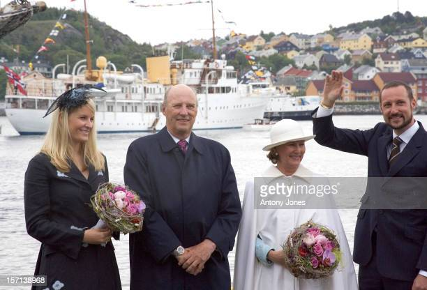King Harald Queen Sonja Crown Prince Haakon Crown Princess MetteMarit Of Norway Trace The Footsteps Of King Haakon Vii Queen Maud Travelling To...