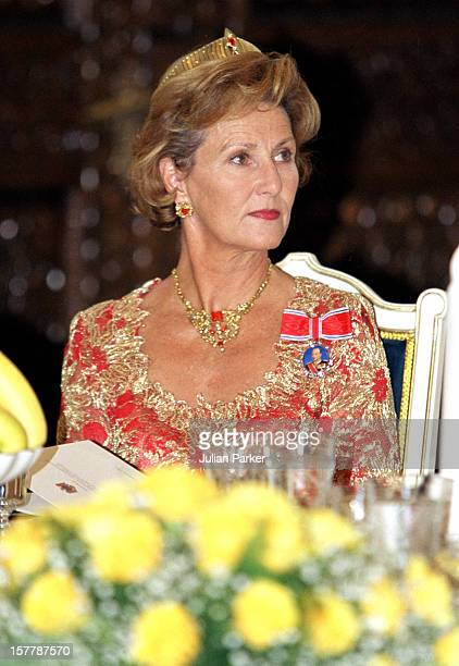 King Harald Queen Sonja Of Norway'S State Visit To RomaniaState Banquet At The Presidential Palace With President Emil Constantinescu Wife
