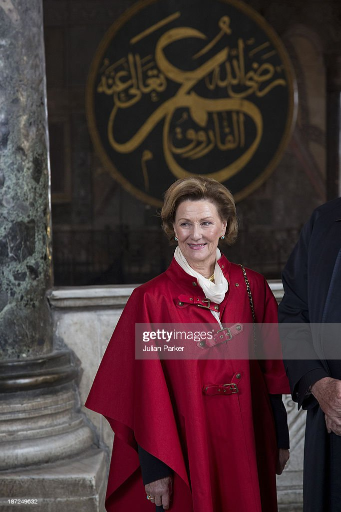 King Harald V of Norway and <a gi-track='captionPersonalityLinkClicked' href=/galleries/search?phrase=Queen+Sonja+of+Norway&family=editorial&specificpeople=160334 ng-click='$event.stopPropagation()'>Queen Sonja of Norway</a> Visit Aya Sofia Museum on day three of their State visit to Turkey on November 7, 2013 in Istanbul, Turkey.