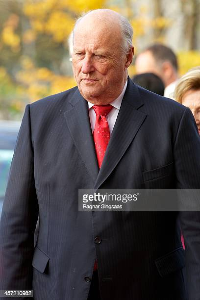 King Harald V of Norway visits the Munch Museum during the second day of the state visit from India on October 14 2014 in Oslo Norway