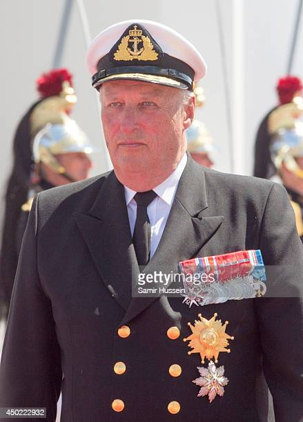 King Harold of Norway attends a Ceremony to Commemorate DDay 70 on Sword Beach during DDay 70 Commemorations on June 6 2014 in Ouistreham France