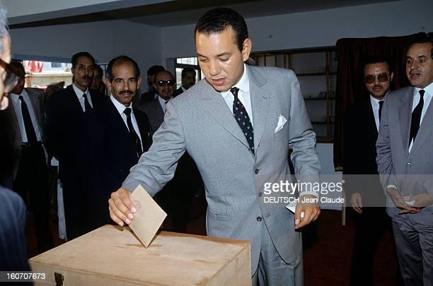King Hassan Ii Of Morocco And His Son The Crown Prince Mohammed Sidi Au Maroc le 7 septembre 1992 devant des hommes non identifiés le prince héritier...