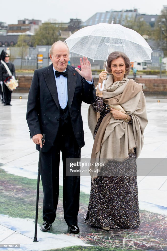 King Juan Carlos and Queen Sofia of Spain arrive at the Opera House on the ocassion of the celebration of King Harald and Queen Sonja of Norway 80th birthdays on May 10, 2017 in Oslo, Norway.