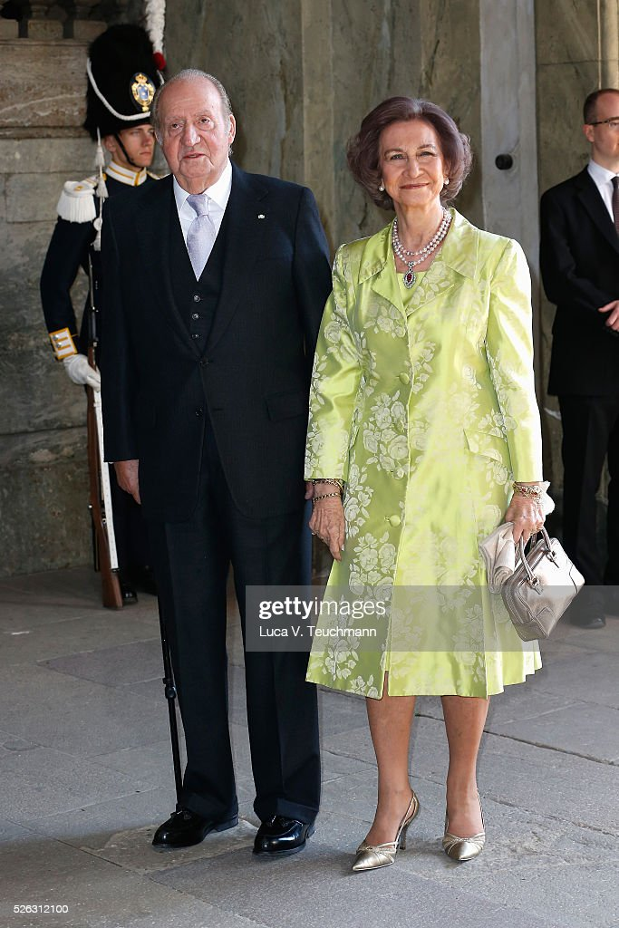King Juan Carlos of Spain and Queen Sofia of Spain arrive at the Royal Palace to attend Te Deum Thanksgiving Service to celebrate the 70th birthday of King Carl Gustaf of Sweden on April 30, 2016 in Stockholm, Sweden.