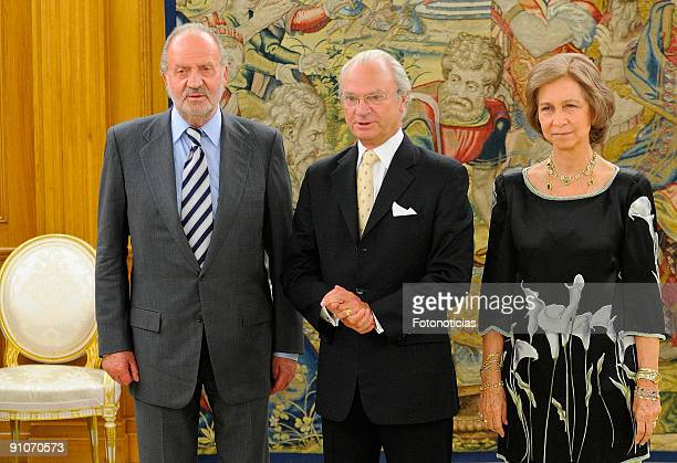King Juan Carlos of Spain and Queen Sofia of Spain greet King Carl Gustav of Sweden to the Zarzuela Palace on September 23 2009 in Madrid Spain