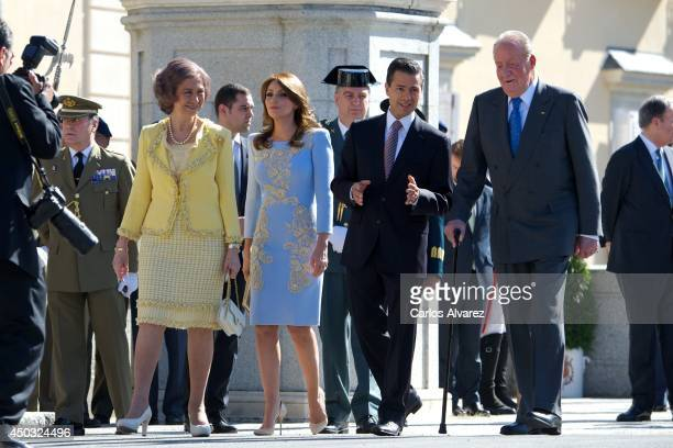 King Juan Carlos of Spain and Queen Sofia of Spain receive Mexican President Enrique Pena Nieto and wife Angelica Rivera at El Pardo Palace on June 9...