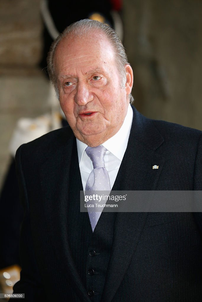 King Juan Carlos of Spain arrives at the Royal Palace to attend Te Deum Thanksgiving Service to celebrate the 70th birthday of King Carl Gustaf of Sweden on April 30, 2016 in Stockholm, Sweden.