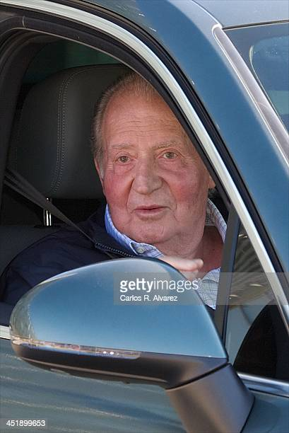 King Juan Carlos of Spain leaves Quiron University Hospital on November 25 2013 in Pozuelo de Alarcon Spain The Spanish King underwent an operation...