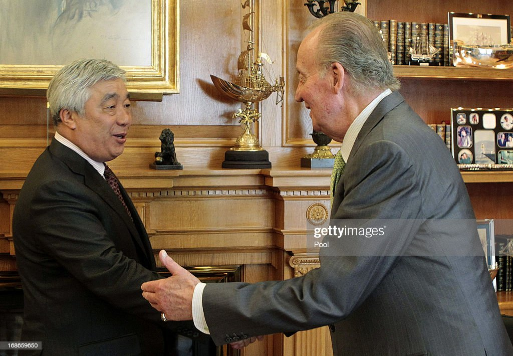 King Juan Carlos of Spain meets Kazakhstan Foreign Minister Erlan Idrissov at Zarzuela palace in Madrid on May 13, 2013.