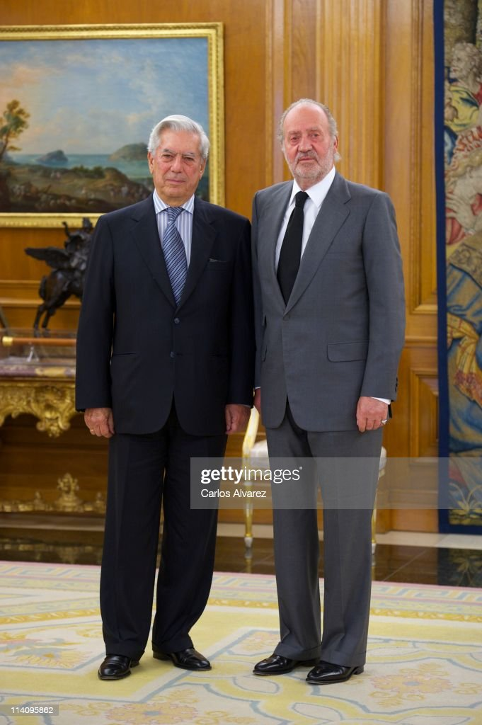 King Juan Carlos of Spain (R) receives Nobel Prize in Literature winner <a gi-track='captionPersonalityLinkClicked' href=/galleries/search?phrase=Mario+Vargas+Llosa&family=editorial&specificpeople=620765 ng-click='$event.stopPropagation()'>Mario Vargas Llosa</a> (L) at the Zarzuela Palace on May 11, 2011 in Madrid, Spain.