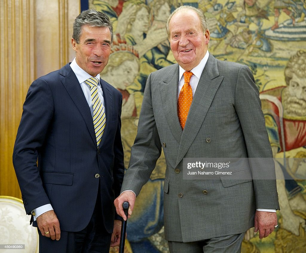 King Juan Carlos of Spain (R) receives to NATO Secretary General <a gi-track='captionPersonalityLinkClicked' href=/galleries/search?phrase=Anders+Fogh+Rasmussen&family=editorial&specificpeople=549374 ng-click='$event.stopPropagation()'>Anders Fogh Rasmussen</a> (L) at Zarzuela Palace on June 12, 2014 in Madrid, Spain.