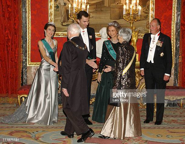 King Juan Carlos Queen Sofia Crown Prince Felipe and Princess Letizia receive Hungarian President Ferenc Madl and his wife Dalma Madl for a Gala...