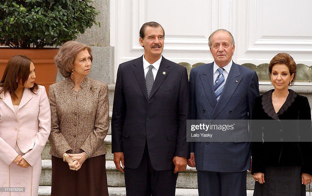 King Juan Carlos, Queen Sofia, Prince Felipe and Princess Letizia Receive Mexican President <a gi-track='captionPersonalityLinkClicked' href=/galleries/search?phrase=Vicente+Fox&family=editorial&specificpeople=202615 ng-click='$event.stopPropagation()'>Vicente Fox</a>, his Wife Marta Sahagun and his daughter Crisitina for Lunch at Zarzuela palace in Madrid