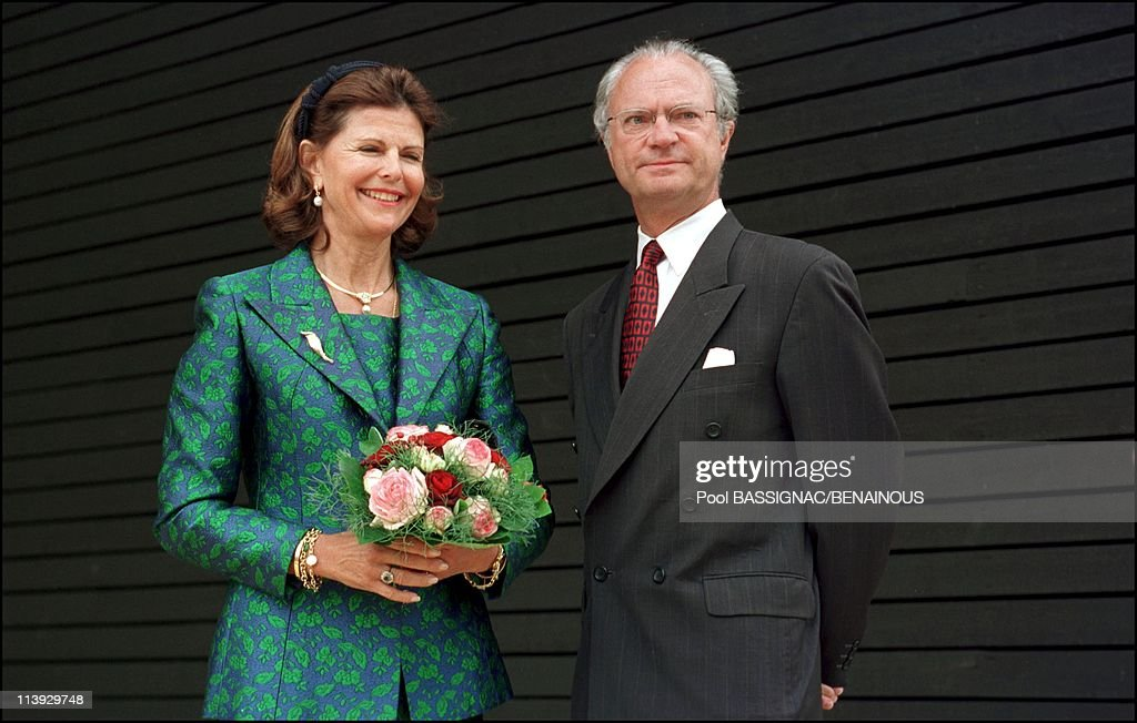King Karl-Gustav and queen Sylvia of Sweden inaugure Sweddish pavillon at universal exhiibition In Hanover, Germany On June 14, 2000.