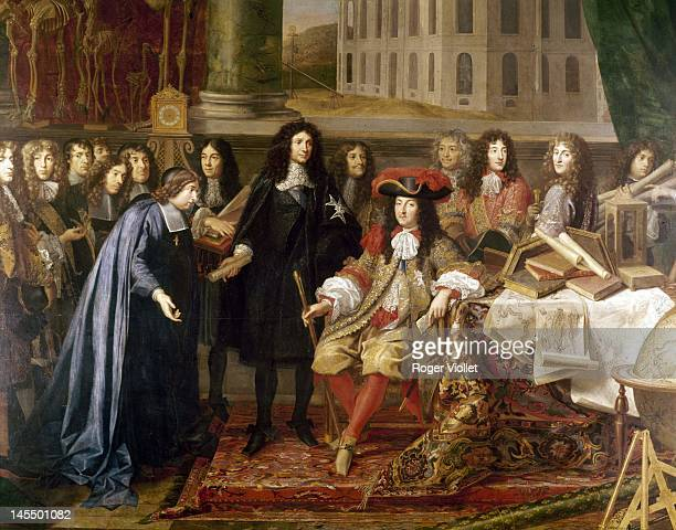 King Louis XIV visits the Académie Des Sciences or French Academy of Sciences in Paris 1667 Pictured are the King JeanBaptiste Colbert and writer...