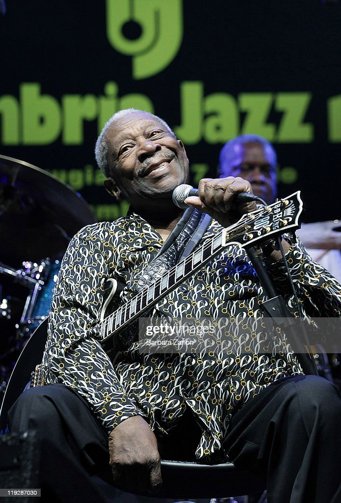<a gi-track='captionPersonalityLinkClicked' href=/galleries/search?phrase=B.B.+King&family=editorial&specificpeople=204744 ng-click='$event.stopPropagation()'>B.B. King</a> performs on stage at Arena Santa Giuliana during Umbria Jazz Festival on July 16, 2011 in Perugia, Italy.