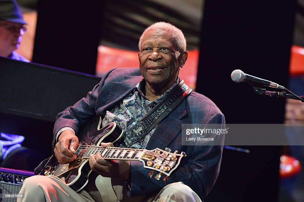 <a gi-track='captionPersonalityLinkClicked' href=/galleries/search?phrase=B.B.+King&family=editorial&specificpeople=204744 ng-click='$event.stopPropagation()'>B.B. King</a> performs on stage during the 2013 Crossroads Guitar Festival at Madison Square Garden on April 12, 2013 in New York City.