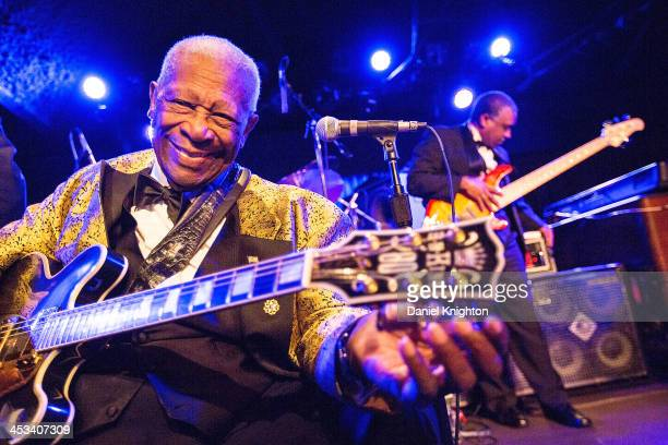 B King performs onstage at Belly Up Tavern on December 3 2013 in Solana Beach California
