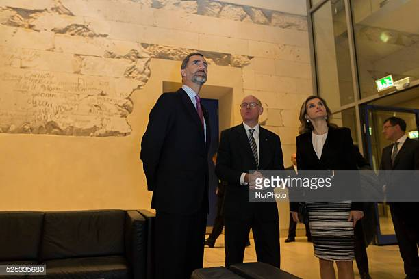 King Philip VI and Queen Letizia of Spain and the President of the German Bundestag Prof Dr Norbert Lammert visiting the grafitis at the Bundestag in...