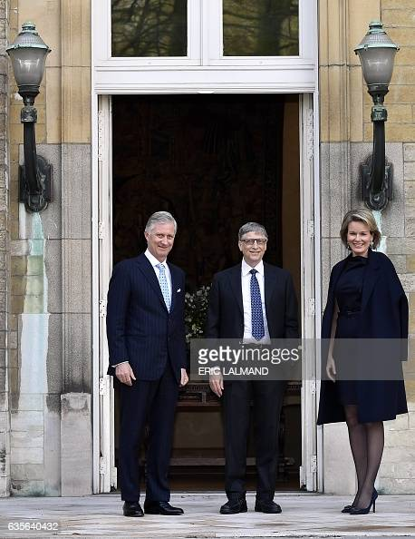 king-philippe-of-belgium-and-queen-mathilde-of-belgium-welcome-former-picture-id635640432