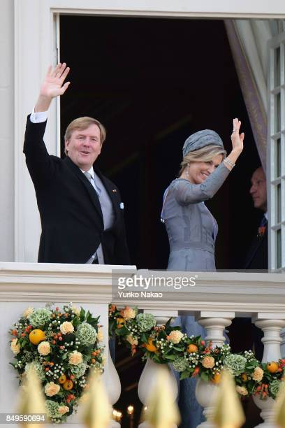 King WillemAlexander and Queen Maxima of the Netherlands wave at the balcony of Palace Noordeinde during the Prinsjesdag on September 19 2017 in The...
