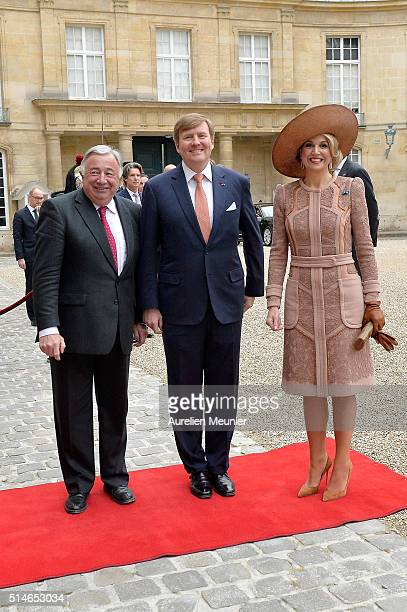 King WillemAlexander of the Netherlands and Queen Maxima arrive at the Senate for a meeting with the President of the Senate Gerard Larcher on March...