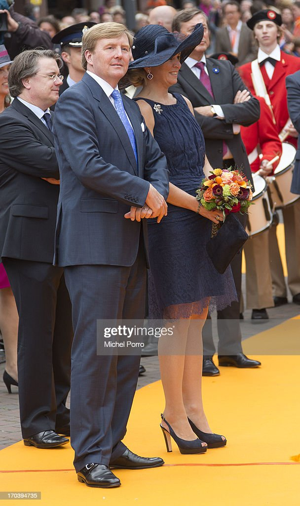 <a gi-track='captionPersonalityLinkClicked' href=/galleries/search?phrase=King+Willem-Alexander&family=editorial&specificpeople=160214 ng-click='$event.stopPropagation()'>King Willem-Alexander</a> of the Netherlands and Queen Maxima of The Netherlands during an official visit as part of the Coronation Tour on June 12, 2013 in Roosendaal, Netherlands.