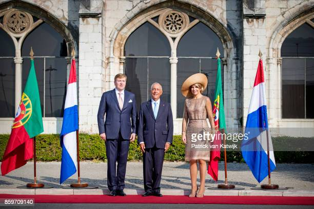 King WillemAlexander of The Netherlands and Queen Maxima of The Netherlands are welcomed by President Marcelo Rebelo de Sousa of Portugal during an...