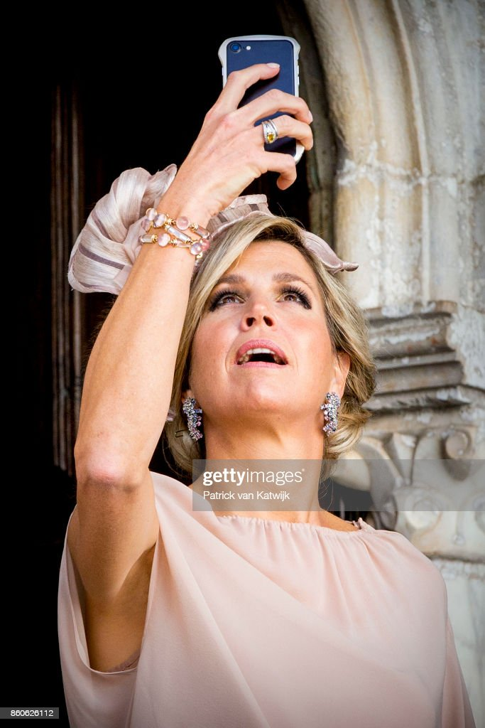 King Willem-Alexander of The Netherlands and Queen Maxima of The Netherlands visit Palacio da Vila on October 12, 2017 in Sintra, Portugal.