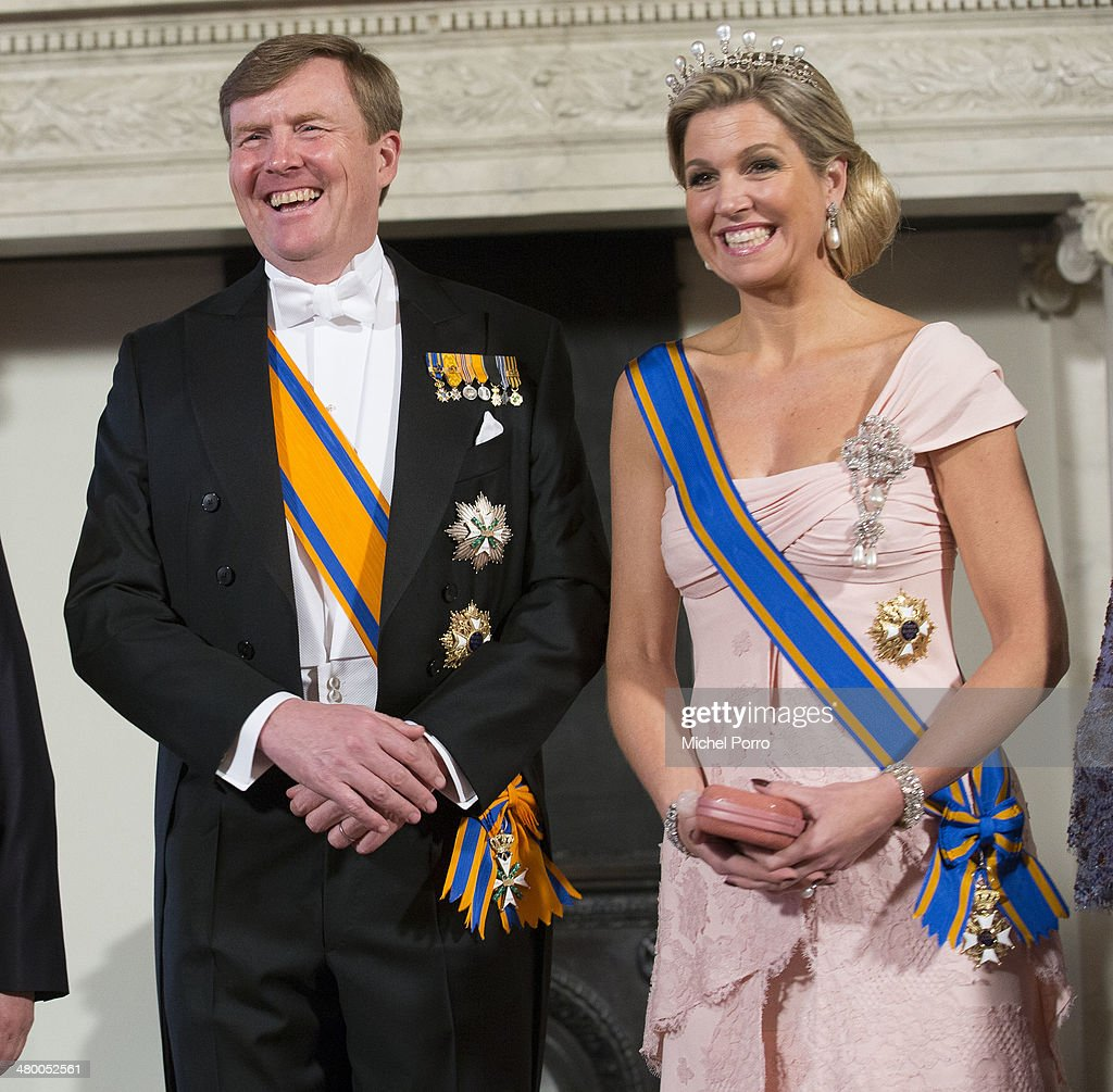 <a gi-track='captionPersonalityLinkClicked' href=/galleries/search?phrase=King+Willem-Alexander&family=editorial&specificpeople=160214 ng-click='$event.stopPropagation()'>King Willem-Alexander</a> of The Netherlands and Queen Maxima of The Netherlands have the official photo taken at the Royal Palace upon the arrival of Chinese President Xi Jinping on March 22, 2014 in Amsterdam, Netherlands. Xi Jinping is on a two-day state visit to the Netherlands ahead of the 2014 Nuclear Security Summit (NSS) in The Hague, which will be held on March 24-25.