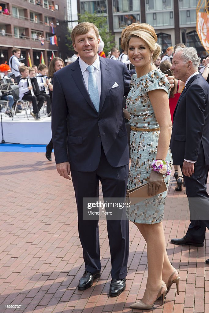 <a gi-track='captionPersonalityLinkClicked' href=/galleries/search?phrase=King+Willem-Alexander&family=editorial&specificpeople=160214 ng-click='$event.stopPropagation()'>King Willem-Alexander</a> of The Netherlands and Queen Maxima of The Netherlands attend King's Day on April 26, 2014 in Amstelveen, Netherlands.
