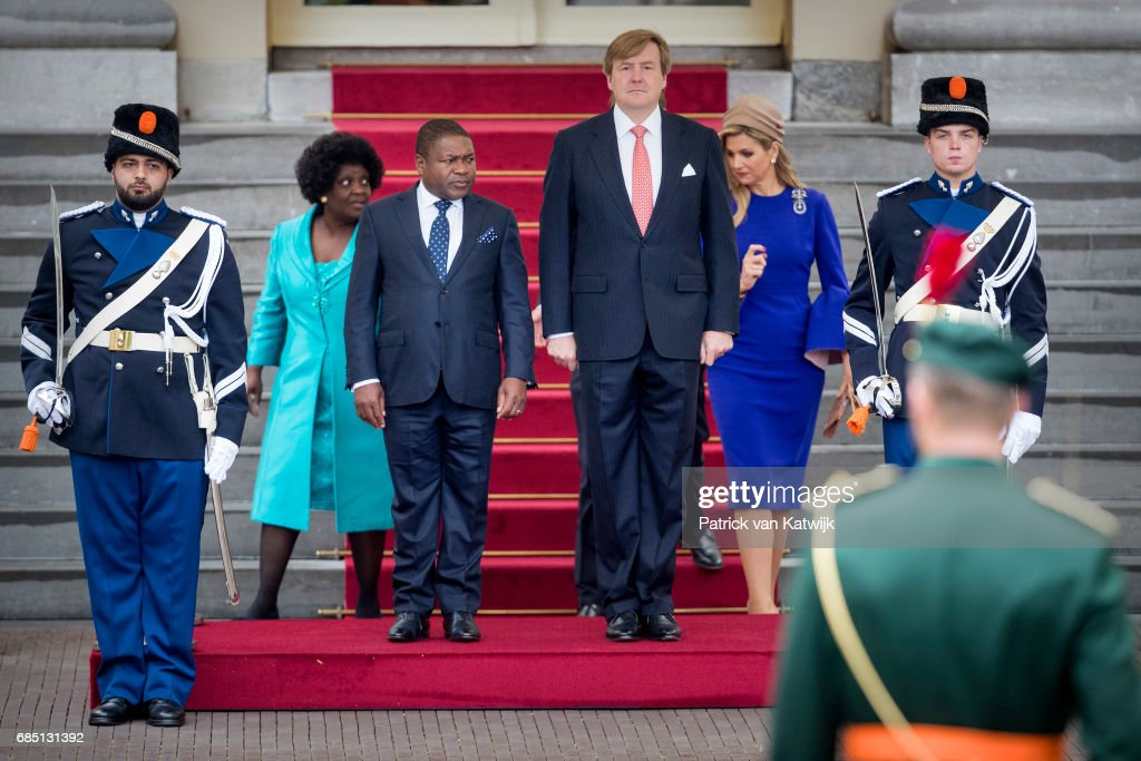 King Willem-Alexander of The Netherlands and Queen Maxima of The Netherlands welcome President Filipe Nyusi of Mozambique and his wife Isaura Nyusi at Palace Noordeinde on May 19, 2017 in The Hague, Netherlands.