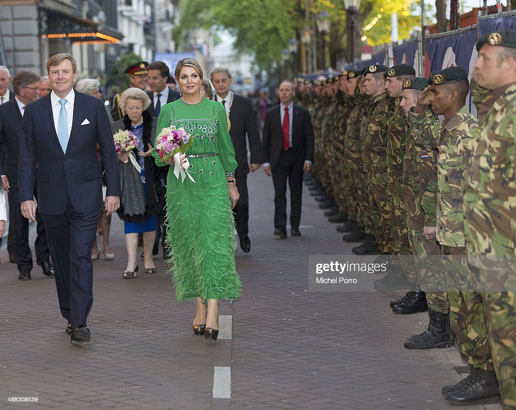 king-willemalexander-of-the-netherlands-and-queen-maxima-of-the-the-picture-id488308539