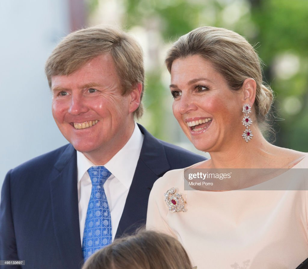 <a gi-track='captionPersonalityLinkClicked' href=/galleries/search?phrase=King+Willem-Alexander&family=editorial&specificpeople=160214 ng-click='$event.stopPropagation()'>King Willem-Alexander</a> of The Netherlands and Queen Maxima of The Netherlands attend the opening of Holland Festival on June 1, 2014 in Amsterdam, Netherlands.