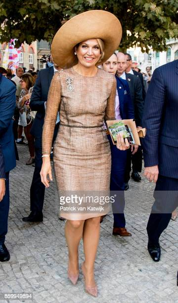 King WillemAlexander of The Netherlands and Queen Maxima of The Netherlands visit the areas Mouraria and Intendente on October 10 2017 in Lisboa CDP...