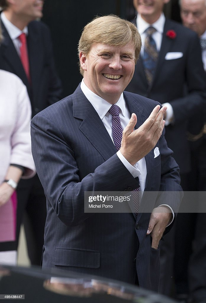 <a gi-track='captionPersonalityLinkClicked' href=/galleries/search?phrase=King+Willem-Alexander&family=editorial&specificpeople=160214 ng-click='$event.stopPropagation()'>King Willem-Alexander</a> of The Netherlands leaves the Loo Royal Palace on June 3, 2014 in Apeldoorn, Netherlands.