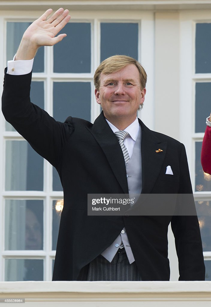 King Willem-Alexander of the Netherlands on the balcony of The Noordeinde Palace during Princes day celebrations on September 16, 2014 in The Hague, Netherlands. (Photo by Mark Cuthbert/UK Press via Getty Images)uthbert/UK Press via Getty Images)