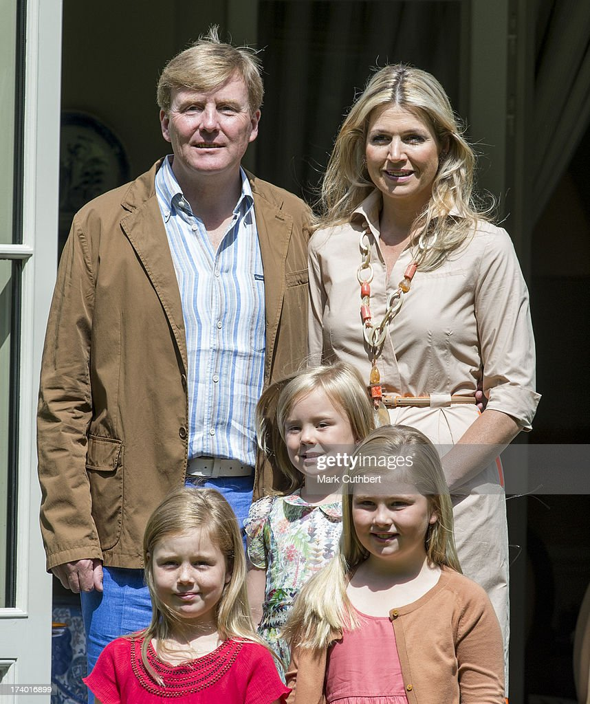 <a gi-track='captionPersonalityLinkClicked' href=/galleries/search?phrase=King+Willem-Alexander&family=editorial&specificpeople=160214 ng-click='$event.stopPropagation()'>King Willem-Alexander</a> of the Netherlands, Queen Maxima of the Netherlands, Crown Princess Catharina-Amalia of the Netherlands, <a gi-track='captionPersonalityLinkClicked' href=/galleries/search?phrase=Princess+Alexia+of+the+Netherlands&family=editorial&specificpeople=766259 ng-click='$event.stopPropagation()'>Princess Alexia of the Netherlands</a>, <a gi-track='captionPersonalityLinkClicked' href=/galleries/search?phrase=Princess+Ariane+of+the+Netherlands&family=editorial&specificpeople=4586156 ng-click='$event.stopPropagation()'>Princess Ariane of the Netherlands</a> attends the annual Summer photocall at Horsten Estate on July 19, 2013 in Wassenaar, Netherlands.