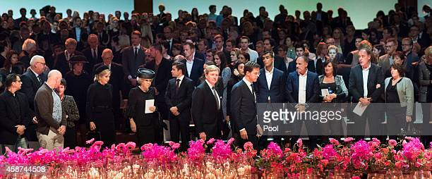 King WillemAlexander of the Netherlands Queen Maxima of the Netherlands Princess Beatrix of the Netherlands and Dutch Prime Minister Mark Rutte...