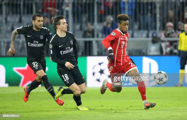 Kingsley Coman of Bayern Munich Dani Alves aka Daniel Alves and Giovani Lo Celso of PSG during the UEFA Champions League group B match between Bayern...
