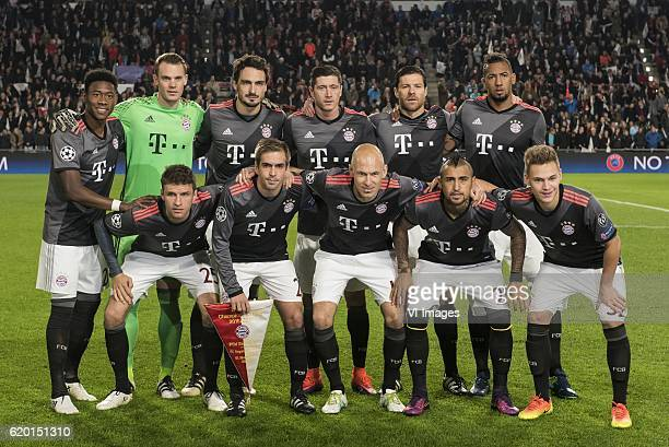 Kingsley Coman of Bayern Munich goalkeeper Manuel Neuer of Bayern Munich Mats Hummels of Bayern Munich Robert Lewandowski of Bayern Munich Xabi...