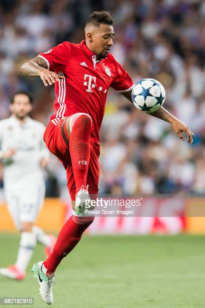 Kingsley Coman of FC Bayern Munich in action during their 201617 UEFA Champions League Quarterfinals second leg match between Real Madrid and FC...