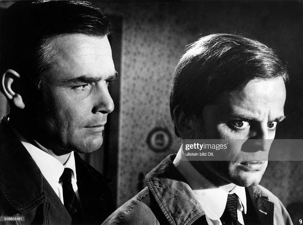 Kinski, Klaus - Actor, Germany *-+ - with Joachim Fuchsberger in the film 'The Dark Eyes of London' by <a gi-track='captionPersonalityLinkClicked' href=/galleries/search?phrase=Edgar+Wallace&family=editorial&specificpeople=900712 ng-click='$event.stopPropagation()'>Edgar Wallace</a> - 1961 - Published by: 'B.Z.' Vintage property of ullstein bild