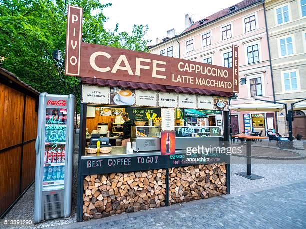Kiosk Verkauf alle möglichen Getränke in Prag