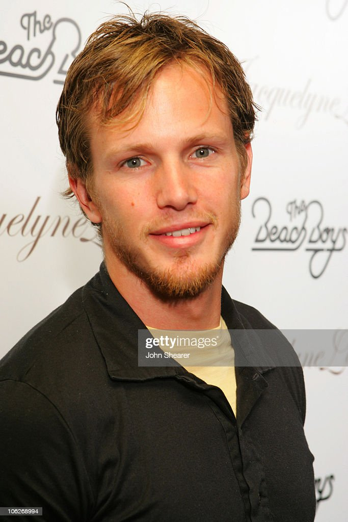 """""""Fashion for Passion"""" Featuring the Beach Boys - Arrivals"""