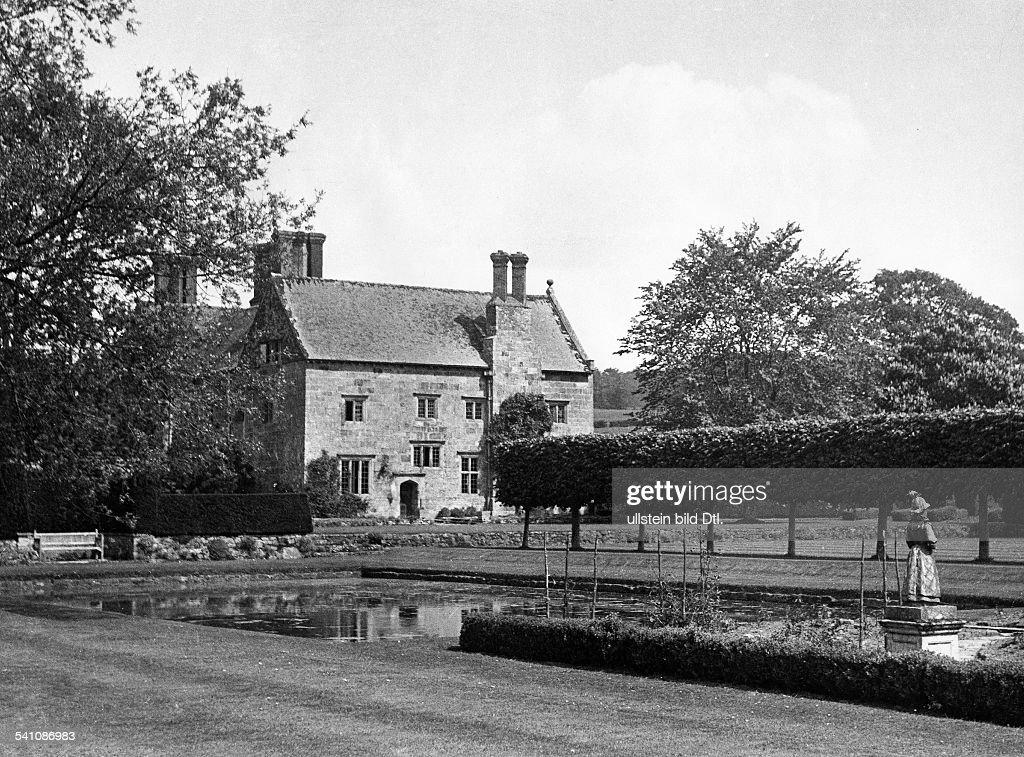 Kipling, Rudyard *30.12.1865-+Writer, Great BritainWinner of the Nobel Prize in Literature 1907his house in Sussex - undated